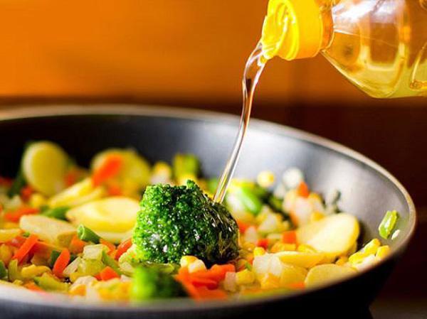 Thói quen nấu nướng và ăn uống dẫn đến ung thư dạ dày bạn phải biết