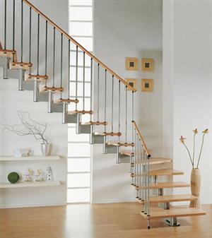 Cùng làm sạch cầu thang bộ nhà mình!